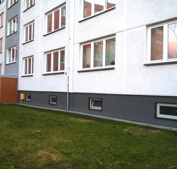 Čištění fasády a sanace okapového chodníku